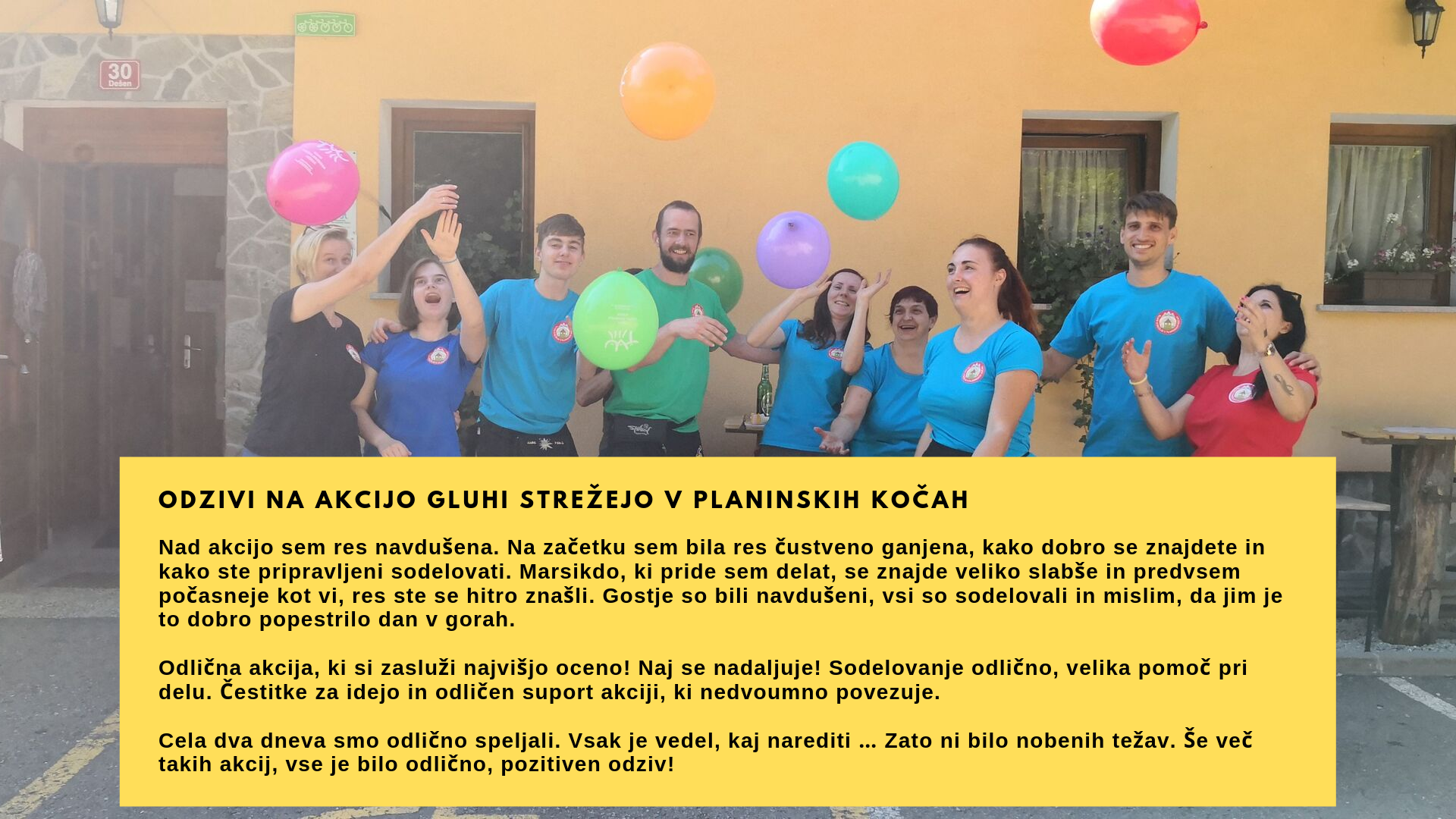 Na sliki razigrana skupina prostovoljcev meče balone v zrak, foto arhiv GSPK